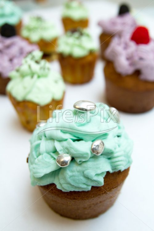 Cupcakes on white background – Royalty free stock photos, illustrations and 3d letters fonts